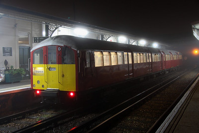 16 October. 483009 waits to work the first service of the day, the 0635 Ryde St Johns Road - Ryde Pier Head.