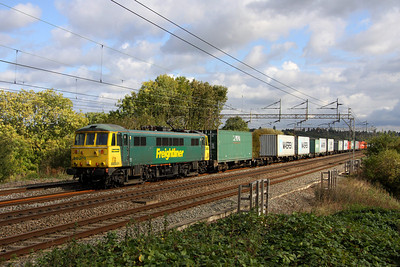 7 October. Super can 86501 glides past Chelmscote on the 4M81 0730 Felixstowe - Crewe Basford Hall.