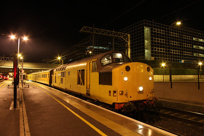 16 January. Network Rail 97301, the former 37100 stands at Milton Keynes during her stopover whilst working the 3Q68 from Euston BOR.