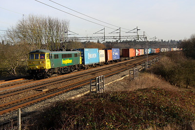 13 January. Super can 86501 atop the 4M81 0730 Felixstowe - Crewe at Chelmscote.
