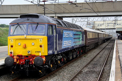 8 July. 47805 stands on the rear of the Northern Belle at Milton Keynes on the 1Z07 0855 Euston - Milton Keynes in connection with the Silverstone F1 Grand Prix.