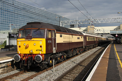 8 July. Sun at last as 47790 Galloway Princess awaits the F1 fans at Milton Keynes. She was due to depart as the 1Z08 1800 Milton Keynes - Euston via Coventry and Reading but due to the time taken by passengers to return to MK from Silverstone she was retimed to depart as the 1Z09 1900 Milton Keynes - Euston via Rugby. Actual departure time was 1845.