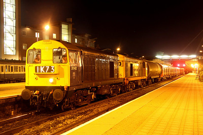8 March. With BR blue 20142 and red stripe railfreight liveried 20227 having trailed into Aylesbury, they prepare to lead south to Amersham on 7X09.