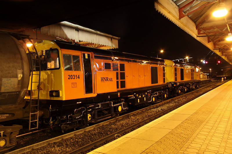8 November. With the signals giving them right away, 20311 + 20314 prepare to pull forward on 7X09 at Aylesbury.