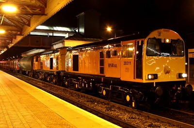 8 November. With the clock having just passed midnight, HNR 20311 + 20314 pause at Aylesbury having led in from Princes Risborough with the latest S stock delivery for LUL working the 7X09 1142 Old Dalby - Amersham.