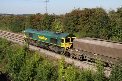 7 September. 66557 heads north at Radwell in charge of the 4M79 1056 Angerstein - Bardon Hill.