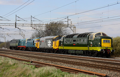 25 April. Proper locos !!! In weak sun the 0Z39 0842 Castleton - Alton passes Chelmscote with Deltic D9009 ALYCIDON towing 37901 Mirrlees Pioneer + 33109 Captain Bill Smith RNR + 20087 Saltley L.I.P. + D1501. Beautiful !!