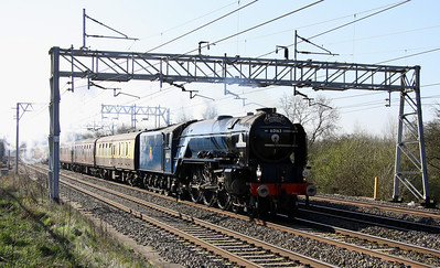 20 April. 60163 TORNADO passes Bradwell with the Cathedrals Express, the 0745 Euston - Holyhead. She ran into trouble on the return leg at Rhyl nessecitating a helping hand from 67002 which also resulted in the tour being terminated at Crewe.