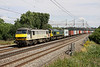 2 Aug. Grey 90048 leads Fred 66571 at Chelmscote on the 4M88 0918 Felixstowe - Crewe.