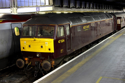 16 February. 47804 sits on the blocks at Euston having worked in ECS as the 0500 Southall - Euston. The stock was used for the Winter Cumbrian Mountain Express utilising 86259 Les Ross.