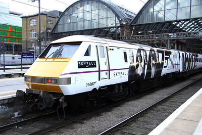 16 February. 91007 SKYFALL at Kings Cross. How long before she gets dirty or the formation is split ?