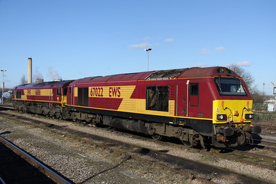 2 February. Skip and shed have a weekend break as 67022 rests alongside 66186 at Didcot.