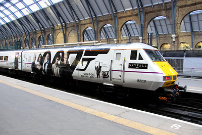 16 February. The SKYFALL train makes its public debut at Kings Cross. Driving Van Trailer 82231 is seen decked out in all her Bond glory having worked in as the 5Z07 0632 Bounds Green T&RSMD - Kings Cross.