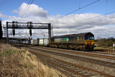12 March. 66421 heads south at Chelmscote atop the Tesco working, the 4L48 1116 Daventry - Tilbury.
