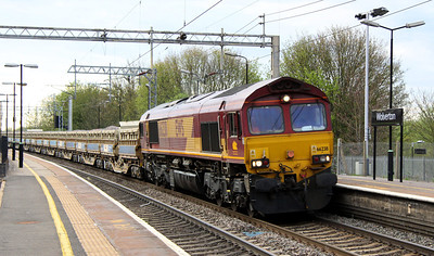 4 May. 66238 takes a rake of side tipplers through Wolverton as the 6R08 Bescot - Willesden.