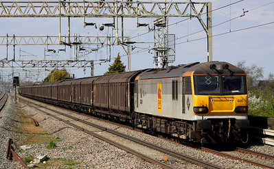 4 May. Bearing cast plates, 92030 Ashford passes Cheddington with the 6A42 1442 Daventry - Wembley vans.
