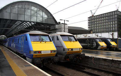 5 Nov. East 'Coast' of many colours as SKY 1 HD  91125 rests with grey 91119, Battle of Britain black 91110 BATTLE OF BRITAIN MEMORIAL FLIGHT and GNER blue 91113.