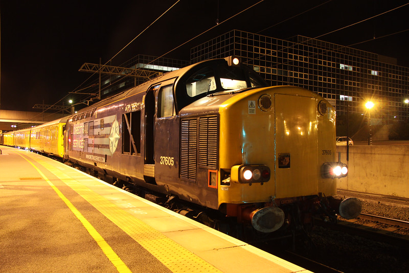 2 September 2014. Having just passed midnight, DRS 37605 stands at MK with the 3Q68 2150 Euston Down Carriage Shed - Euston via MK test train. Sister engine 37611 was on the rear.