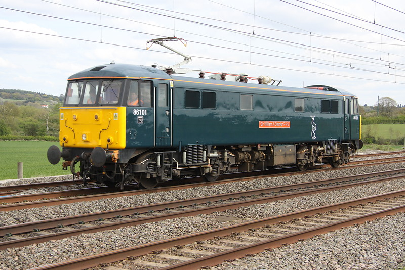 1 May 2015. Caledonian Can as 86101 Sir William A Stanier FRS passes Soulbury and escapes from North London ECS sleeper duties to work an 0Z86 1304 Willesden TMD - Willesden TMD via Bletchley.
