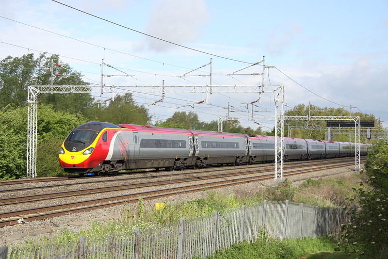 9 May 2015. 390154 Matthew Flinders heads north at Bradwell with the 9G98 0823 Euston - Birmingham New Street.