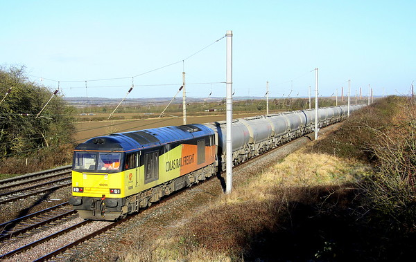 28 December 2017. Colas 60096, the former Ben Macdui passes Millbrook bridge with the 6L44 2215 Oxwellmains - West Thurrock cement. Ben Macdui is the second highest mountain in the UK, only beaten in height by Ben Nevis.