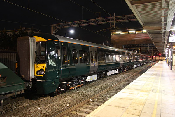 4 December 2017. The penultimate GWR class 387 unit 387173 stands at Bletchley having arrived rom Derby Litchurch Lane behind 66538.