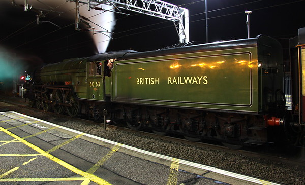 25 November 2017. Into the night as 60163 TORNADO lets off steam at MK on the return leg of the 'Christmas Chester Cracker', the 1Z95 1738 Chester - Euston.