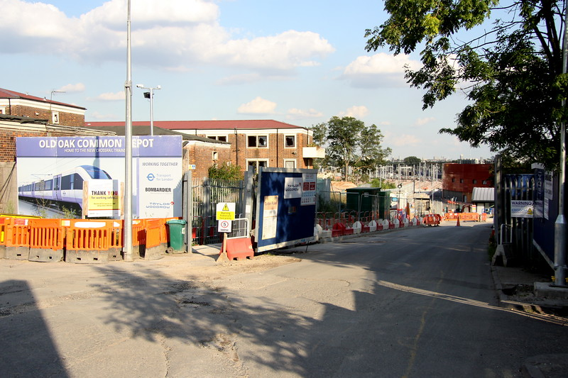 2 September 2017. Walking back to Willesden Junction and a quick stop to see the well worn slope into the former Old Oak Common Loco Depot which looks completely different to my last visit shortly before closure. This is the new depot for Crossrail although I can here the ghost of 50001 and many others in there somewhere !!