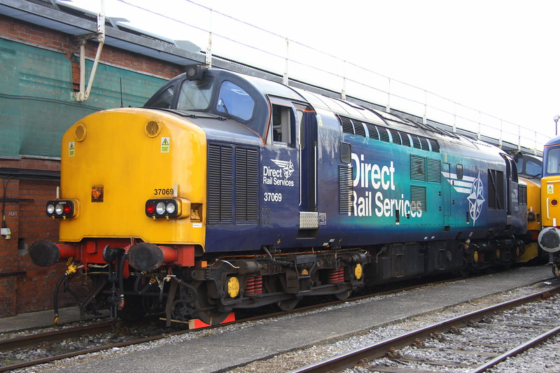 2 September 2017. DRS sent 37069 + 37218 down to OOC the previous night from Crewe. 37069, the former Thornaby TMD is seen with 37218 just visible behind.
