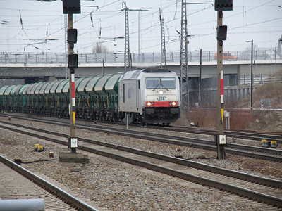 285 108 Schonefeld 4 February 2011