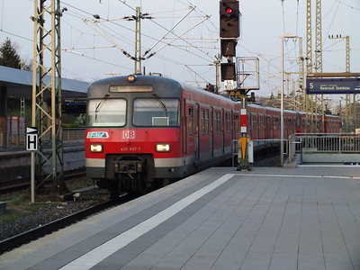 420 837 Frankfurt Stadion 22 April 2013