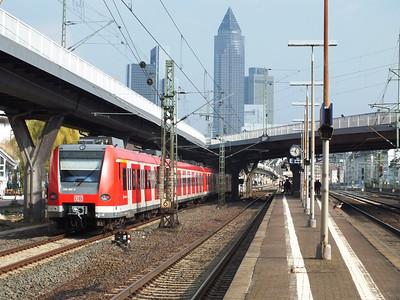 423 932 Frankfurt West 22 April 2013
