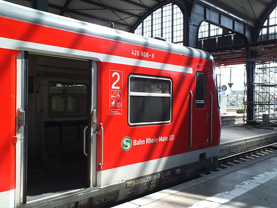420 808 Wiesbaden Hbf 23 April 2013