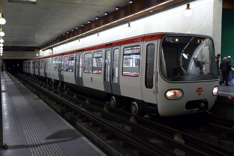https://photos.smugmug.com/RailSceneEurope/European-Metros/Lyon-Metro/i-HRNsbxH/0/040c38de/L/DSC_0219%20%281280x853%29-L.jpg