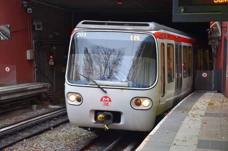 https://photos.smugmug.com/RailSceneEurope/European-Metros/Lyon-Metro/i-MJQFd59/0/a7f34c4c/L/DSC_0080%20%281280x853%29-L.jpg