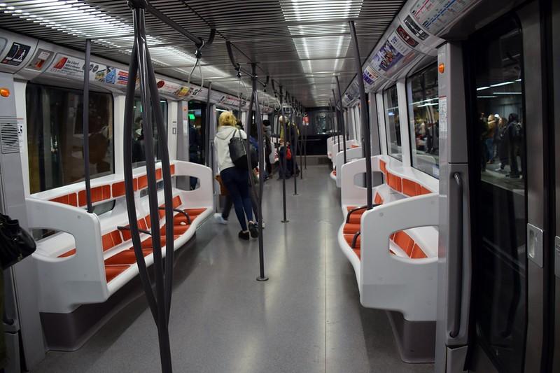https://photos.smugmug.com/RailSceneEurope/European-Metros/Lyon-Metro/i-qSRXwbw/0/2ca60547/L/DSC_0085%20%281280x853%29-L.jpg