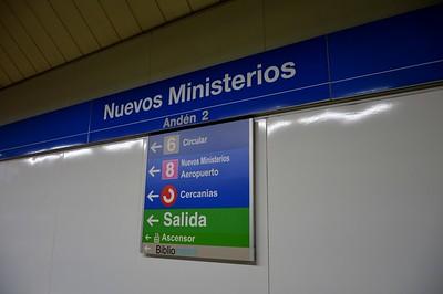 Nuevos Ministerios station signage 26 November 2015