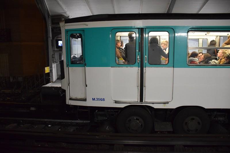 https://photos.smugmug.com/RailSceneEurope/European-Metros/Paris-Metro/i-SfjLJsx/0/bb8d2db0/L/DSC_0124%20%281280x853%29-L.jpg