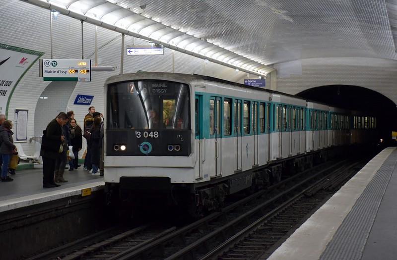 https://photos.smugmug.com/RailSceneEurope/European-Metros/Paris-Metro/i-TLXmkFv/0/3ad270ef/L/DSC_0104%20%281280x840%29-L.jpg