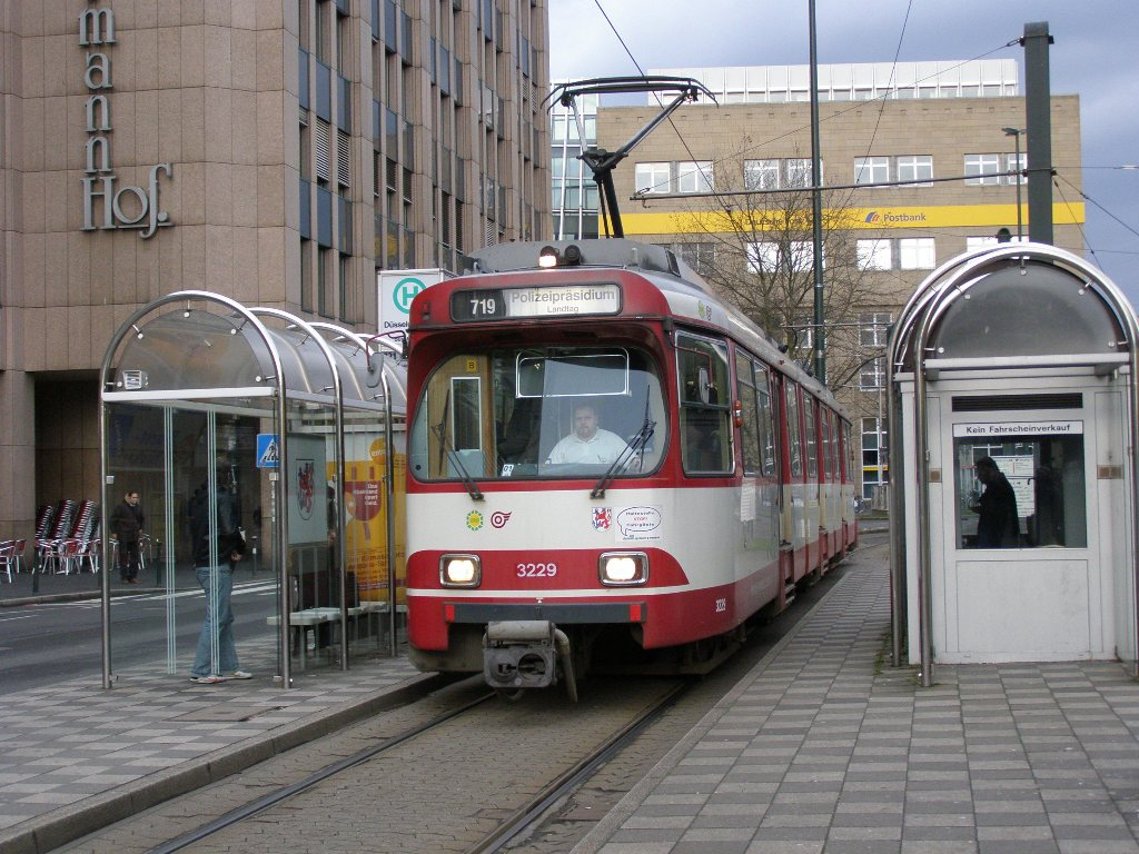 3229 Dusseldorf Hbf 4 March 2009