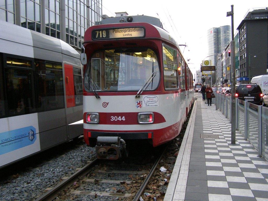 3044 Dusseldorf 4 March 2009