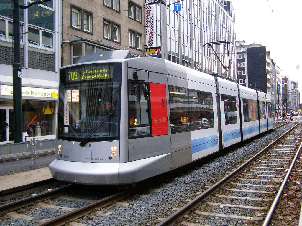 2205 Dusseldorf 4 March 2009