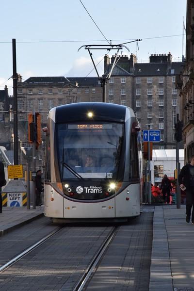 https://photos.smugmug.com/RailSceneEurope/European-Trams/Edinburgh-Tram/i-NwtX8m4/0/08ea2f0e/L/DSC_0212%20%28853x1280%29-L.jpg