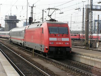 101 096 Munchen Hbf 30 March 2007