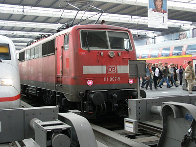 111 067 Munchen Hbf 29 March 2007