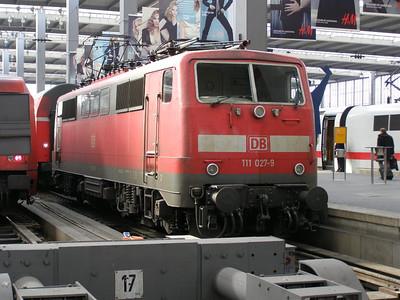 111 027 Munchen Hbf 30 March 2007