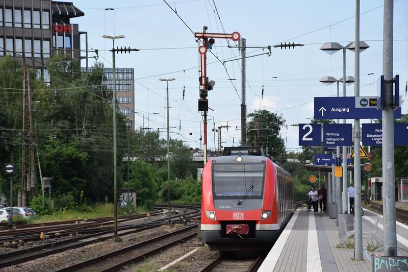 https://photos.smugmug.com/RailSceneEurope/NRW-20th-June-2018/i-7mPjtzw/0/d6f2ef05/L/DSC_0023%20%281280x852%29-L.jpg