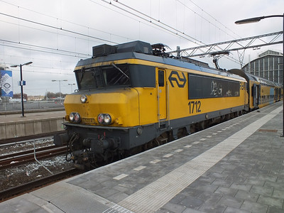 1712 Amsterdam Centraal 29 March 2012