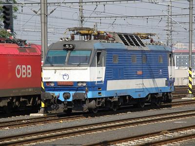 350 005 Prague hlavni nadrazi 27 September 2011 Slovak loco.