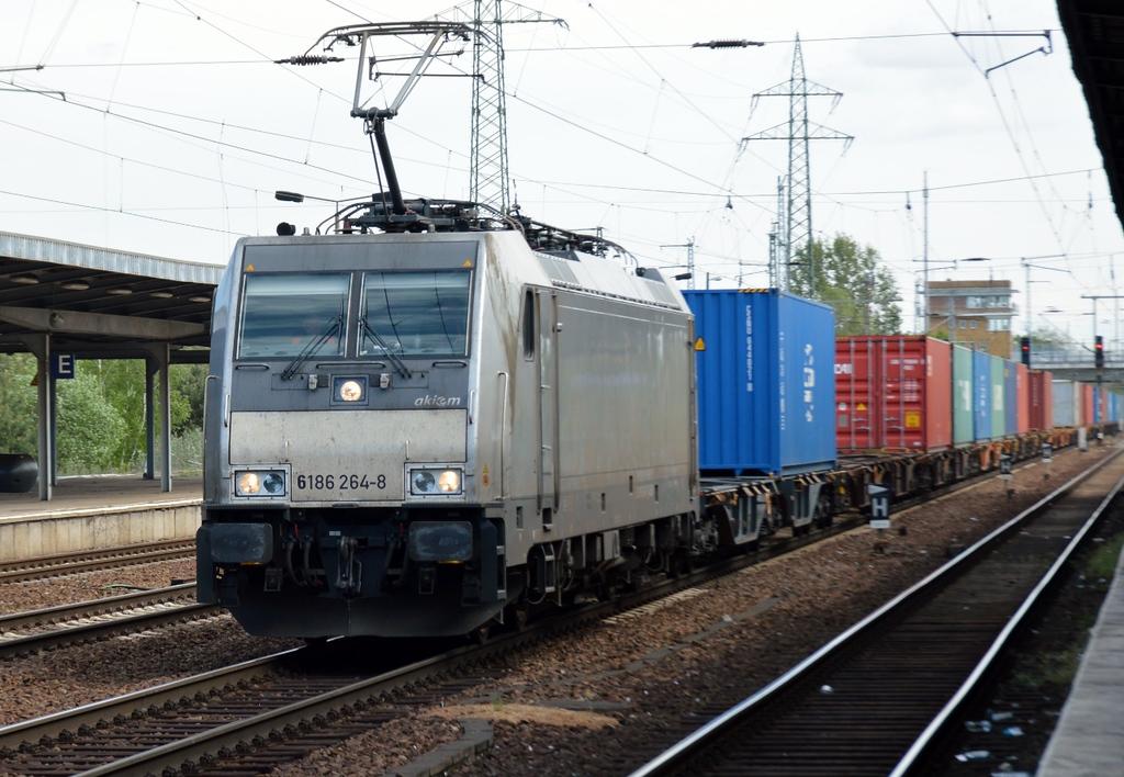 https://photos.smugmug.com/RailSceneEurope/RSE-Berlin-April-May-2018/i-N2VFRRq/0/fd48dcf5/XL/DSC_0068%20%281280x885%29-XL.jpg